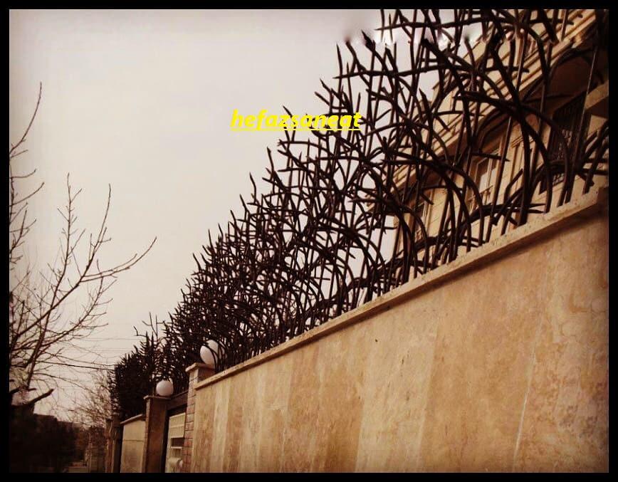 حفاظ بالای دیواری